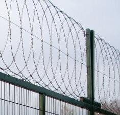 Плоский барьер безопасности из армированной колючей ленты, бухта 500мм витков в п.м. 4,4 ГОСТ 3282-74 (10м)
